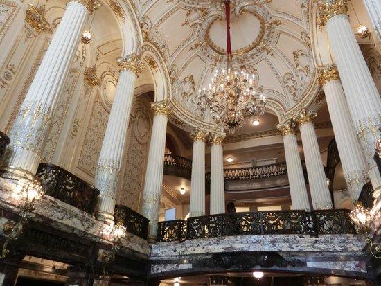 Heinz Hall: Main lobby