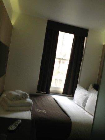 The Z Hotel Soho: habitación doble... pequeña