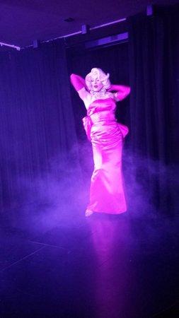 Marilyn - fab at Queenz