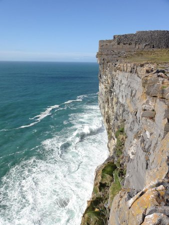 Faherty Day Tours: View from Dun Aengus Fort, Inishmore