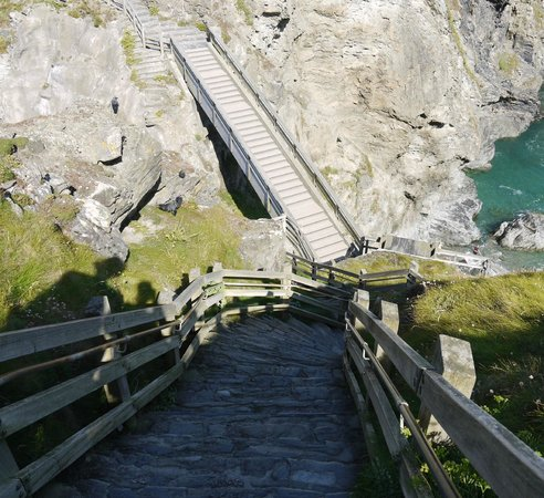Tintagel Castle: Steps going down to the bridge and headland.