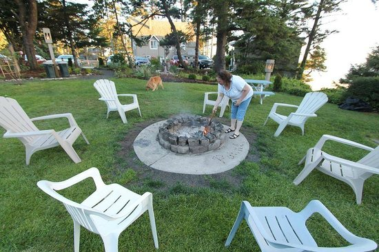 Starfish Point Condos : Fire Pit in yard