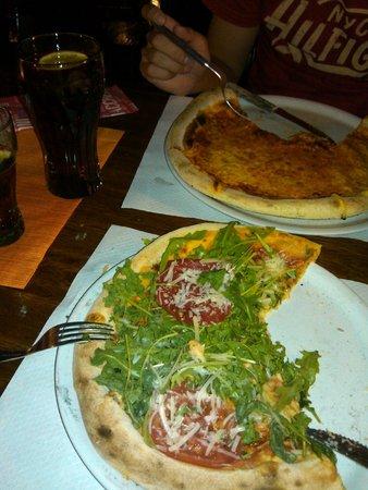 Pizzeria Matteo: Margerita and Modena.