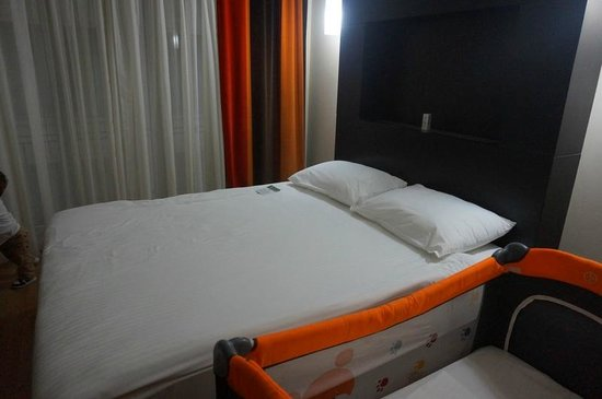 Hotel Beyaz Saray : Bed was nothing special