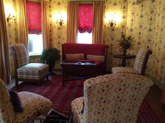 The Beaufort Inn: front room