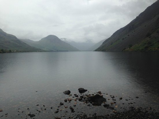 YHA Wasdale Hall: Even in the rain the lake is beautiful