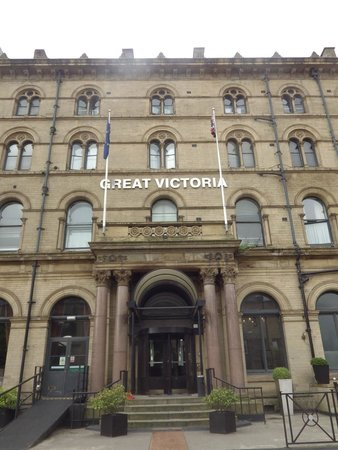 The Great Victoria Hotel: Exterior of the Grand Victoria.