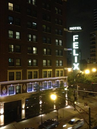 Hotel Felix : View from self-parking lot