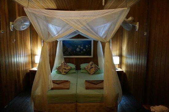 Froggies Divers Bunaken : La zona letto del nostro bungalow