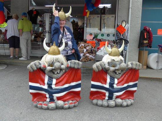 Olden: Tourist Schlock!