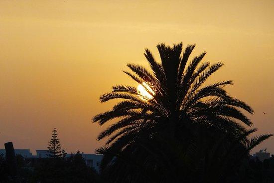Marhaba Salem : Sunset from main road