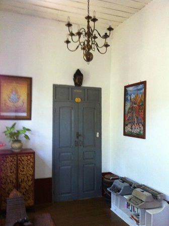 Xieng Mouane Guest House: Le couloir du premier étage
