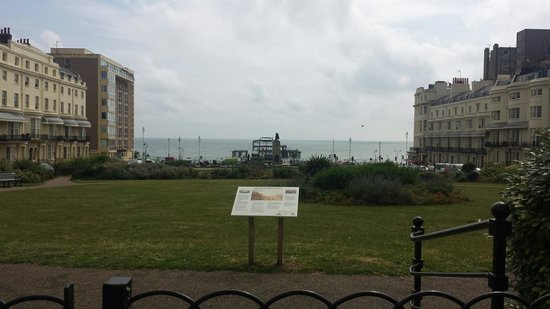 Artist Residence Brighton: View from outside hotel