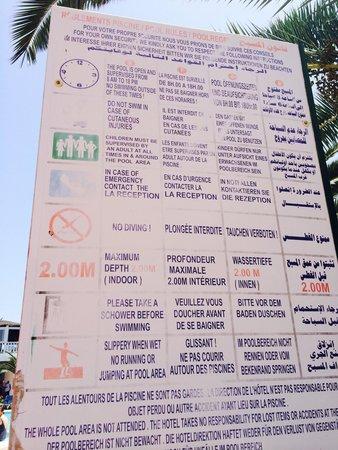 Hotel Dar El Olf: Pas de douche pas de surveillance panneau pas a jour