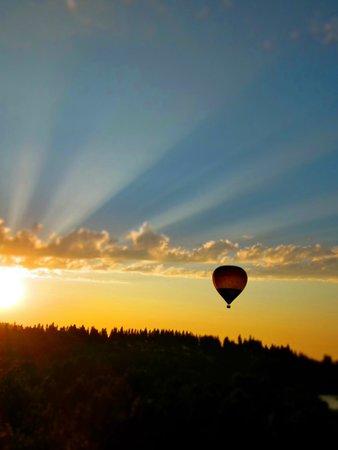 Airial Balloon Company: Beautiful Sunset on the Balloon flight.