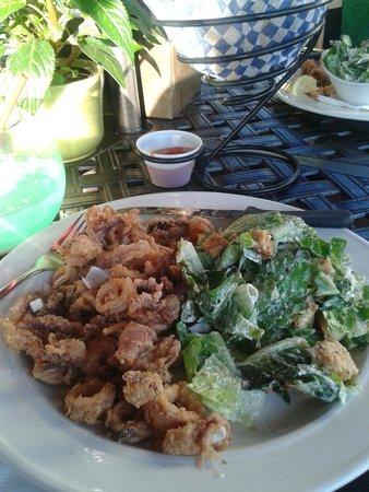Clam Bucket Restaurant : calamari & caesar salad