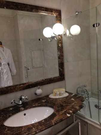 Hotel Savoy Moscow: clean