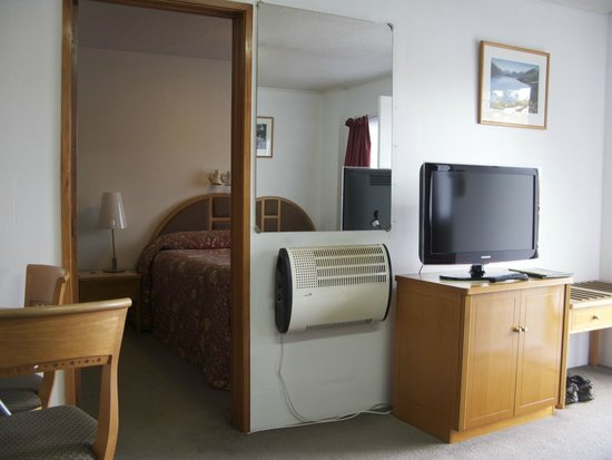 New Haven Motel: One Bedroom with Full kitchen