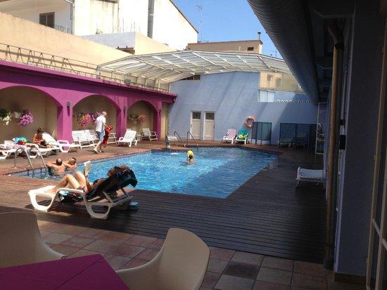 Hotel Spa La Terrassa : Piscina
