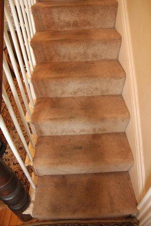 Auberge Gladstone: main staircase 2