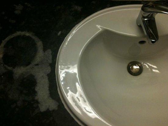 Britannia Sachas Hotel: bleach marks