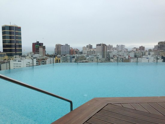 Hilton Lima Miraflores: rooftop infinity pool with great views