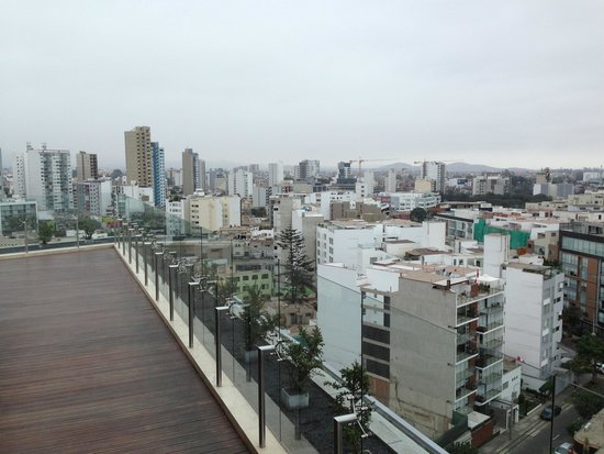 Hilton Lima Miraflores: rooftop deck