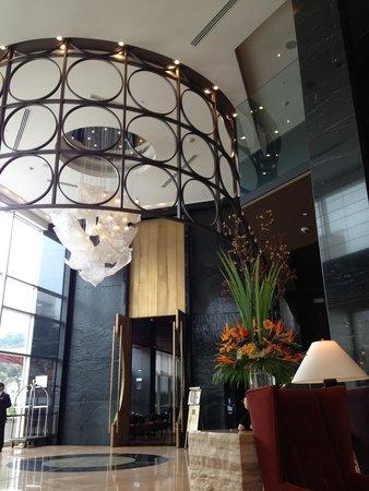 Hilton Lima Miraflores: beautiful lobby