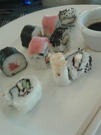 Azul Beach Resort Sensatori Mexico: Lunchtime Sushi