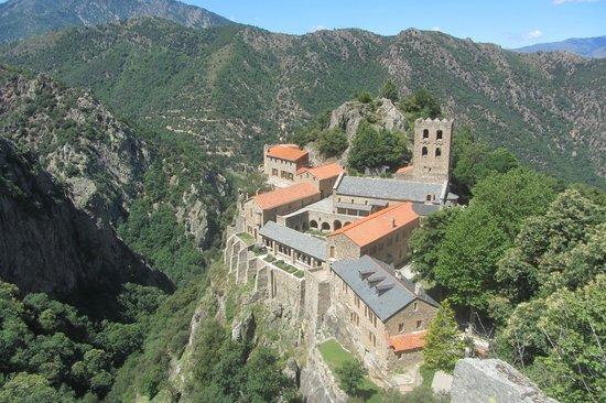 Abbaye Saint Martin du Canigou: Depuis le point de vue au dessus de l'Abbaye