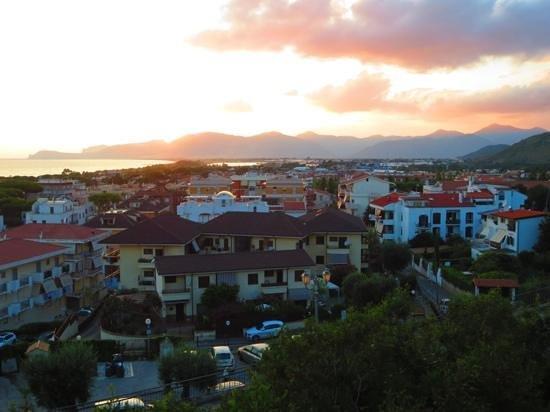 Ganimede Hotel: Utsikt over Sperlonga