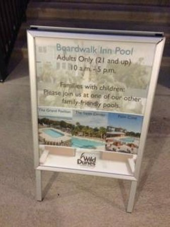 Isle of Palms, SC: The rule about kids and the main nice pool in all their pictures on their website