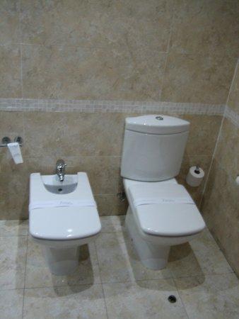 Silken Coliseum Hotel: baño 3