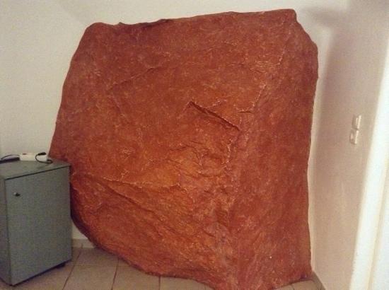 Pension Alexandra : roca en el dormitorio