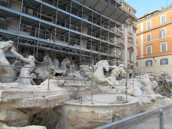 Trevi-Brunnen (Fontana di Trevi): Fountain