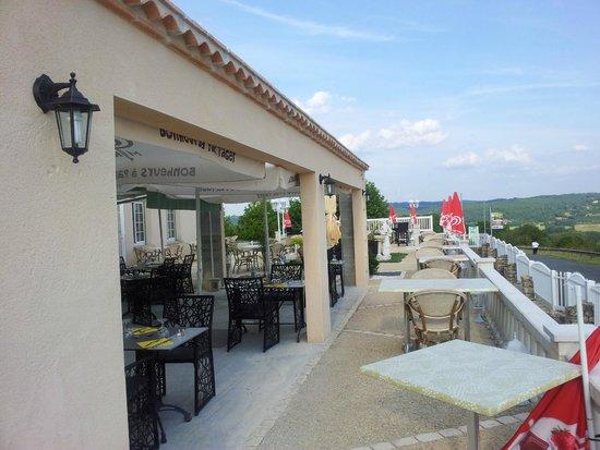Hotel Restaurant Les Terrasses de Beauregard : terrasse and views