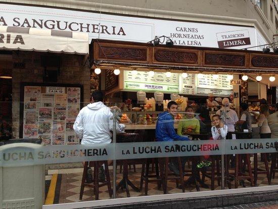 La Lucha Sangucheria Criolla: front of La Lucha