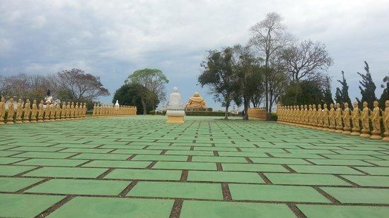 Buddhist Temple: Reflexão