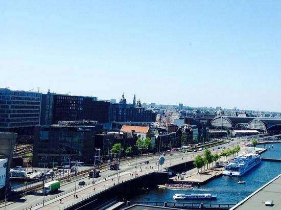 Movenpick Hotel Amsterdam City Center: vue de la chambre au 11 e etage