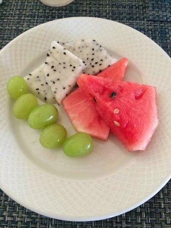 Barcelo Maya Tropical: fresh fruit from buffet