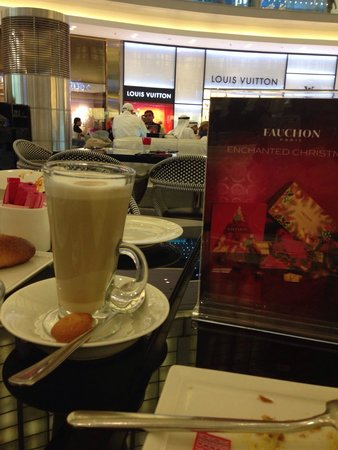 FAUCHON Paris Cafe