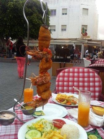 La Tahona: Невероятно вкусное блюдо!!! Огромный гарнир.