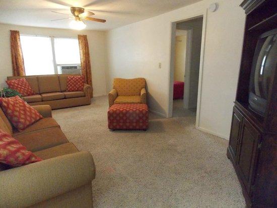 Lava Hot Springs Suites: Suite 7 - Living Room