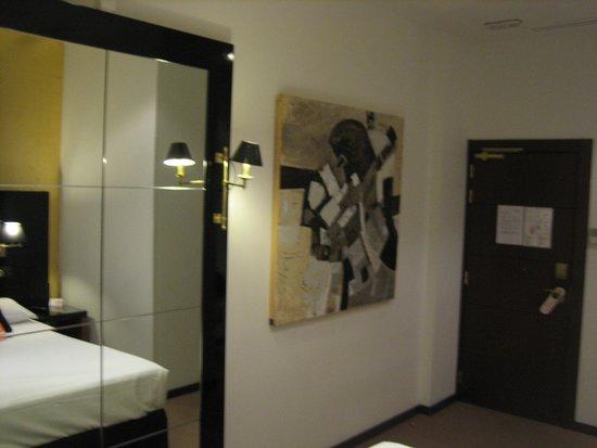 Room Mate Leo: entrada
