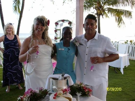 Bougainvillea Barbados : Wonderful wedding day