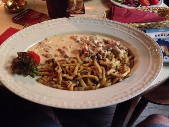 Tiergarten Quelle: Nel menù lo travate come primo piatto tra quelli tipici del pub da provare ... ������