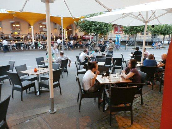 Hafenmeisterei: Patio seating