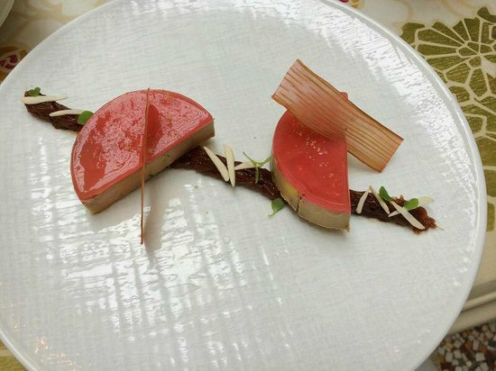 Les Climats : Foie Gras with Rhubarb Gelee & Fig Compote