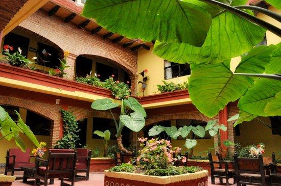 Hotel Palacio de Moctezuma : El mejor Hotel De la ciudad!