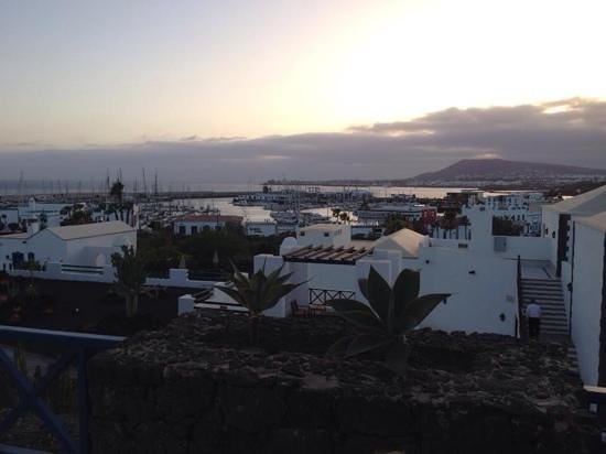 Hotel THe Volcan Lanzarote : vue de l hotel
